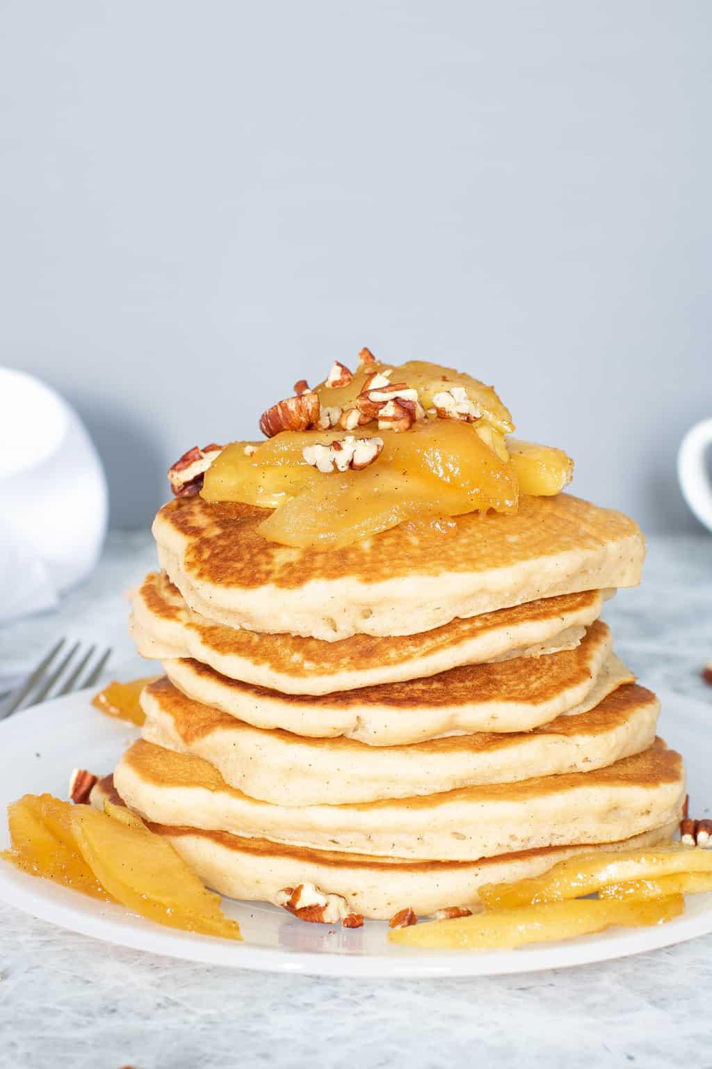 Warm Vegan Apple Cinnamon Pancakes