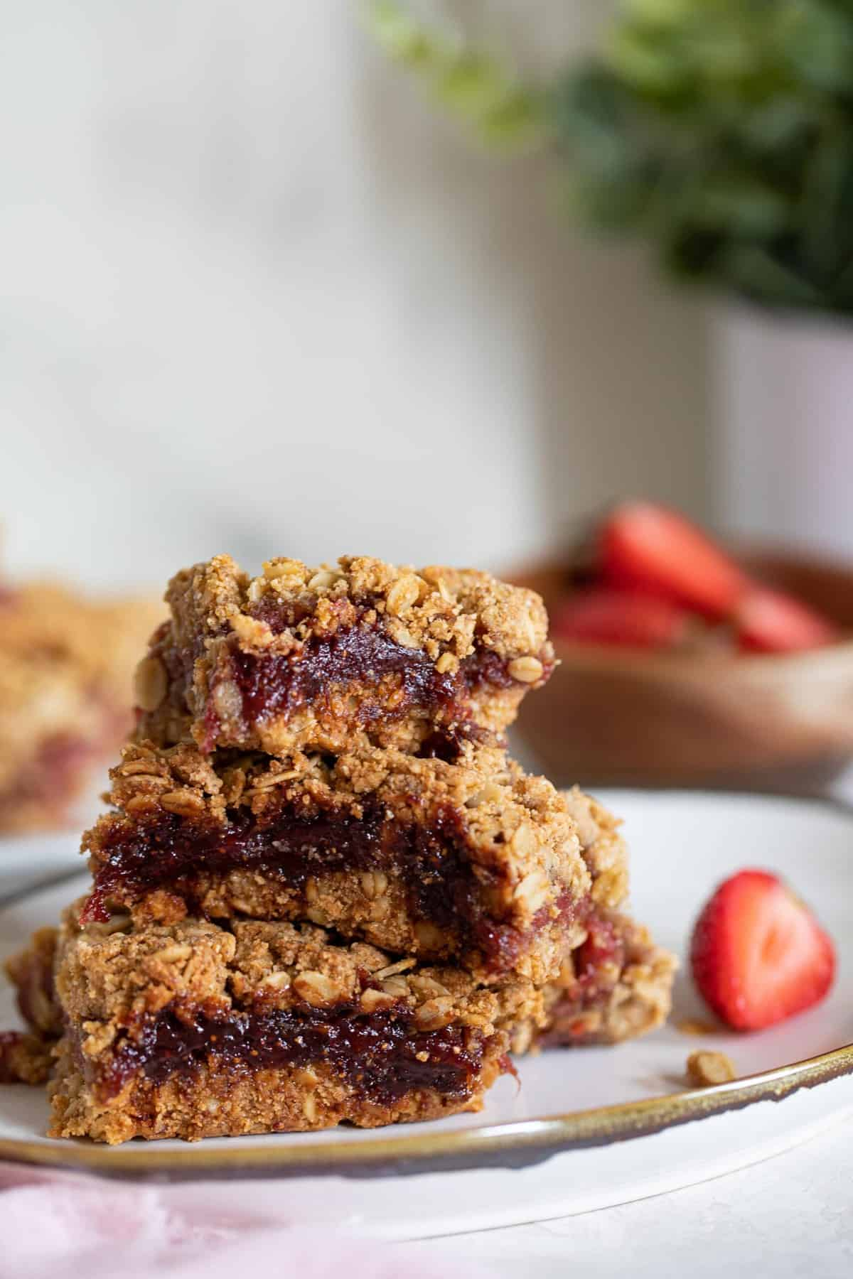 Vegan Strawberry Peanut Butter Oatmeal Bars