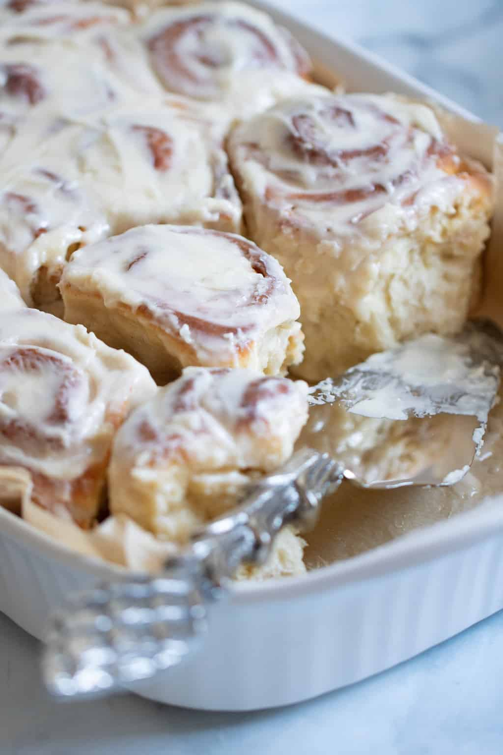 Delicious Homemade Classic Cinnamon Rolls