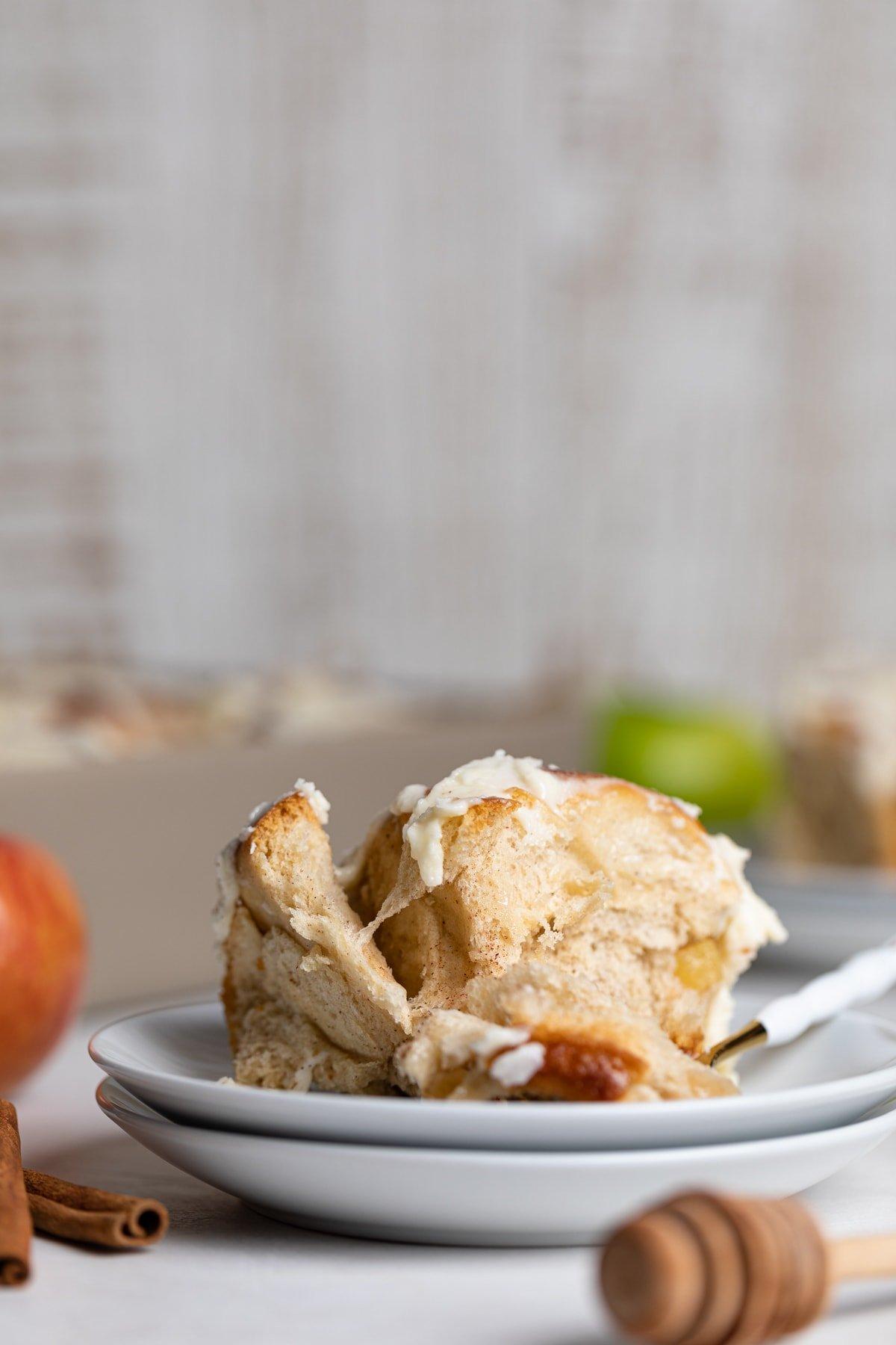 Overnight Vegan Apple Cinnamon Rolls