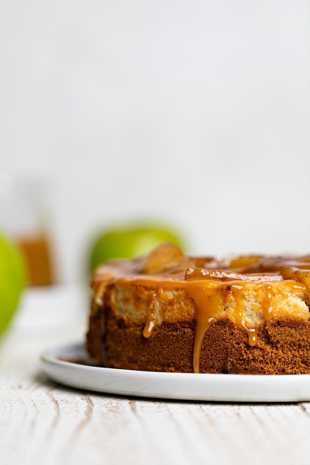 Best Caramel Apple Spice Cheesecake