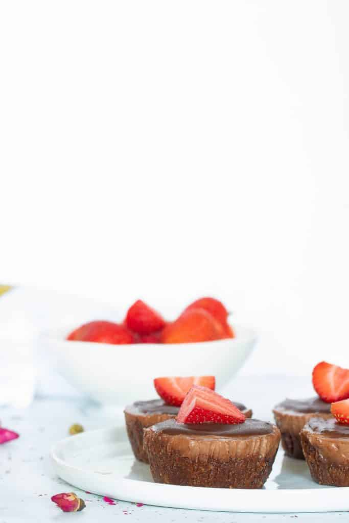 No-Bake Vegan Superfood Chocolate (Cacao) Cheesecake Bites