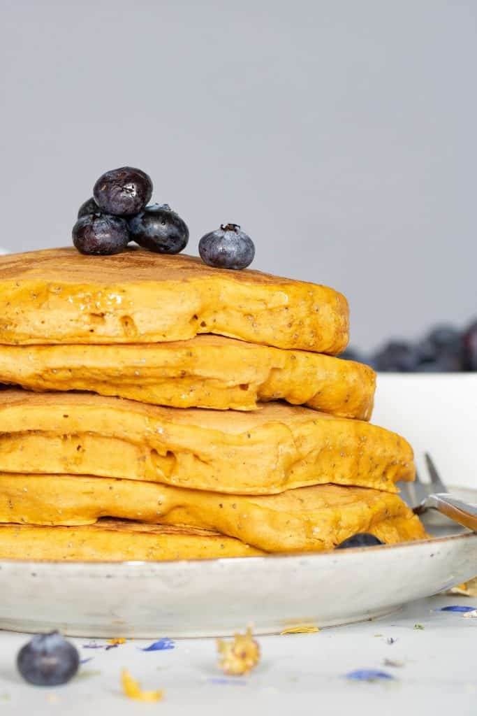 Easy Vegan Pumpkin Poppyseed Pancakes