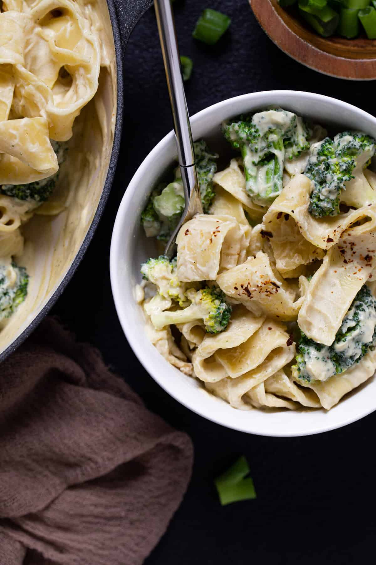 Easy Vegan Broccoli Alfredo Pasta