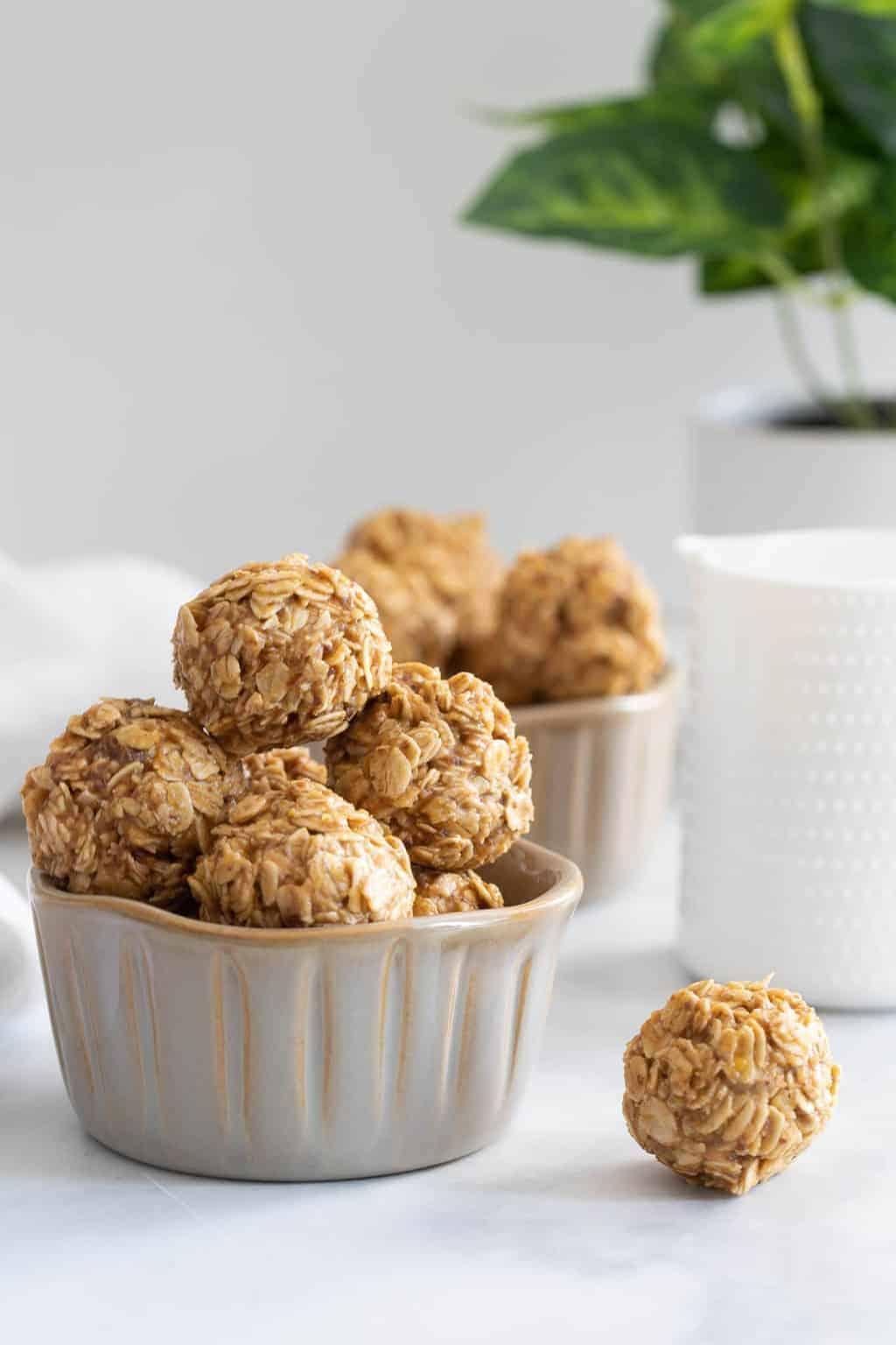 Easy Healthy Peanut Butter No-Bake Energy Bites