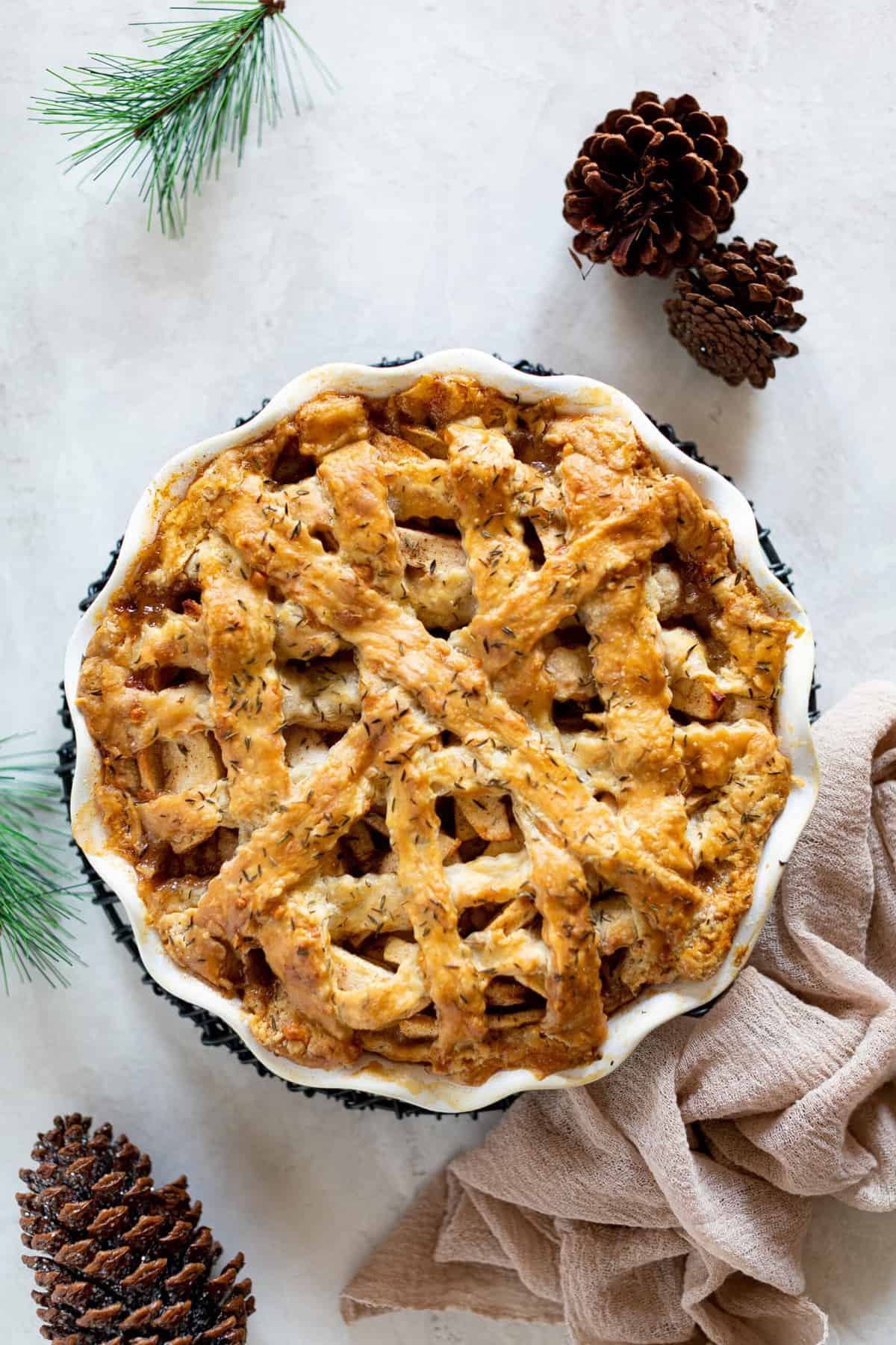 Apple Cheddar Thyme Pie