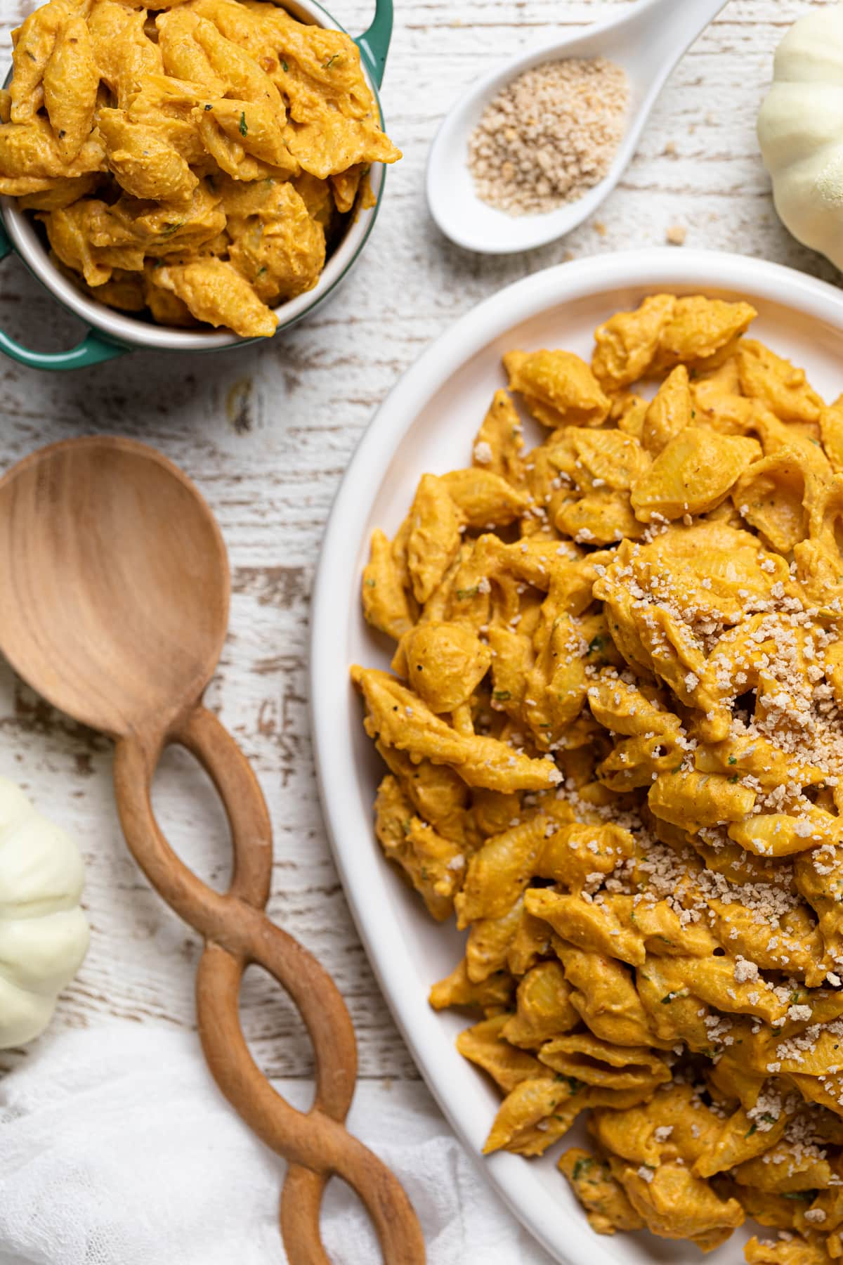 Easy Vegan Pumpkin Mac + Cheese