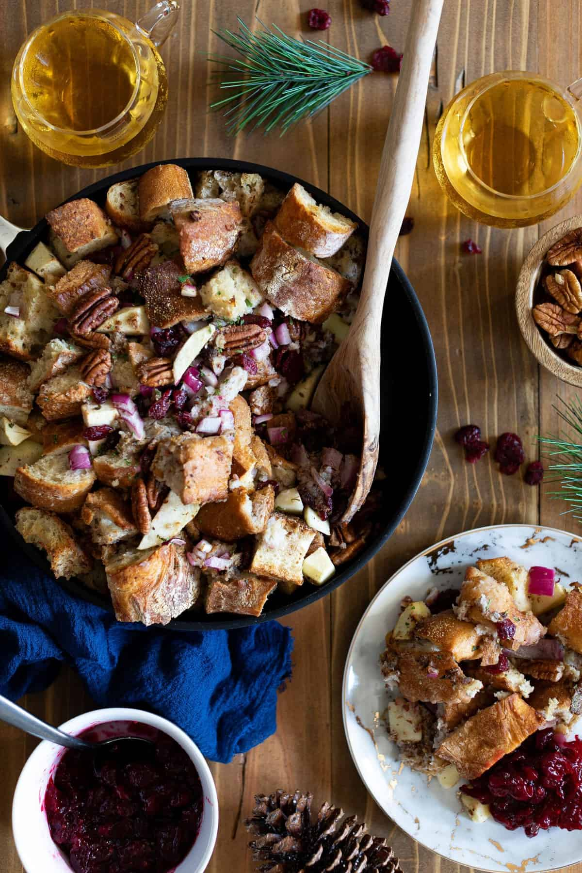 Easy Skillet Vegan Stuffing