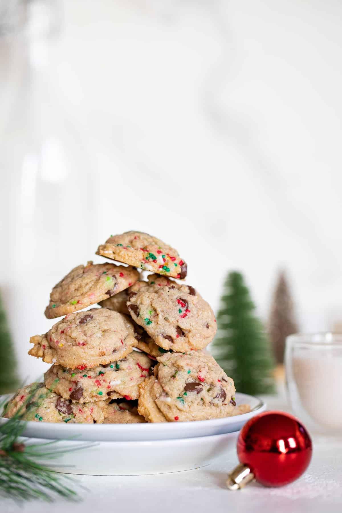 Crispy + Chewy Christmas Chocolate Chip Cookies