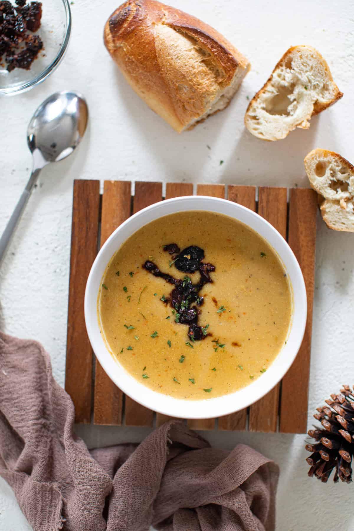 Creamy Roasted Garlic Cauliflower Chickpea Soup